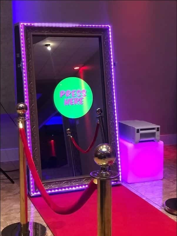mirror booth CNT Entertainment